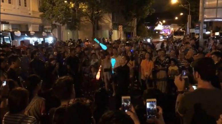 Roving Juggler in Singapore | Circus Juggler
