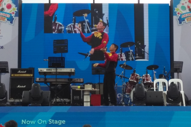 A Juggler Singapore Event Organisers Hire
